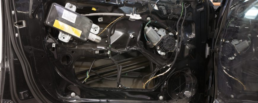 TLMENIE ODHLUCNENIE REPRODUKTORY ZOSILNOVAC BMW 3 GROUND ZERO STP NEOPRENE 4358