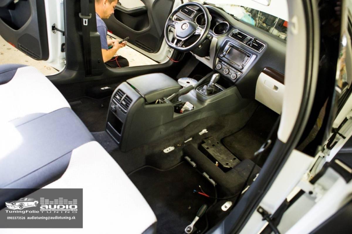 VYHRIEVANIE SEDADIEL VW JETTA 2096