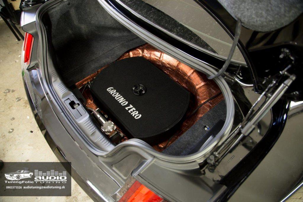 TLMENIE SUBWOOFER ZOSILNOVAC FORD MUSTANG GT GROUND ZERO DRARTEX-9650