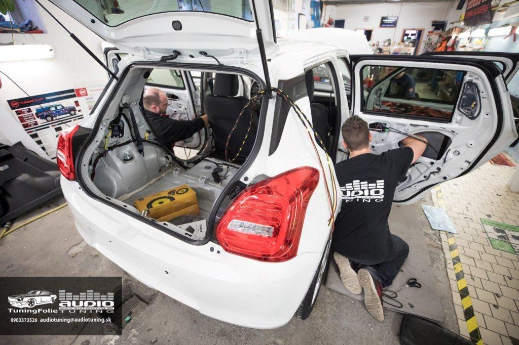 REPRODUKTORY TLMENIE ODHLUCNENIE DSP ZOSILNOVAC SUBWOOFER SUZUKI SWIFT JL AUDIO AWAVE DRARTEX AUTOFUN EVOTEC-4300